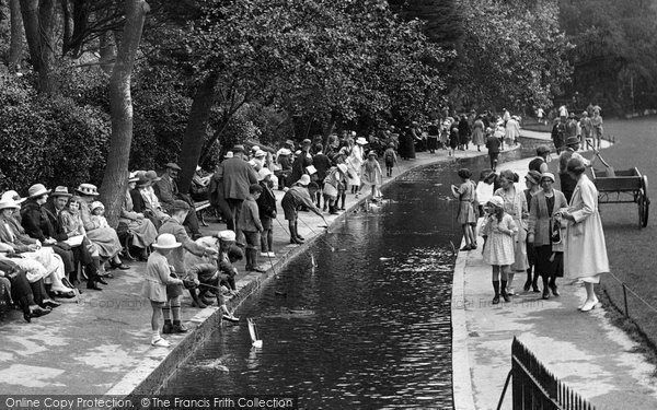 Bournemouth, People In The Gardens 1922