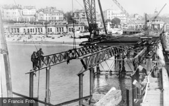 Bournemouth, Pier, Closing the Gap 1947