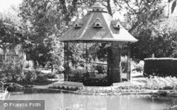 Bourton-on-The-Water, Cotswold Botanical Gardens c.1965