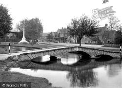 The Footbridge 1948, Bourton-on-The-Water