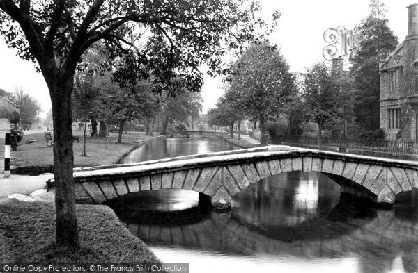 Bourton On The Water, The Green c.1950