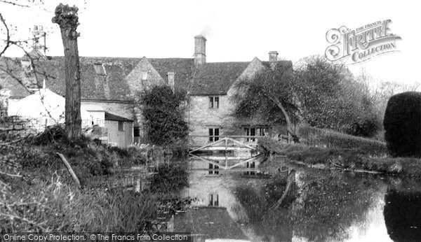 Bourton On The Water, The River Windrush c.1955