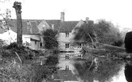 Bourton-on-The-Water, The River Windrush c.1955