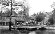 Bourton-on-the-Water photo