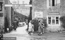 Visitors To Studio Café c.1950, Bourton-on-The-Water