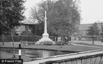 Bourton-on-the-Water, War Memorial 1948
