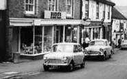 Bovey Tracey, Budd's, Town Hall Place c.1965