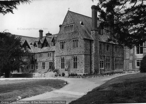 Bovey Tracey, Devon House c.1955