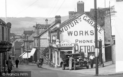 Bovey Tracey, Fore Street Garage 1931