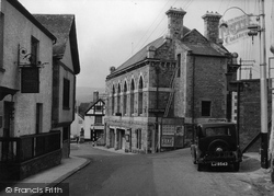 Town Hall c.1950, Bovey Tracey