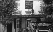 Box Hill, A Carriage, Burford Bridge Hotel 1897