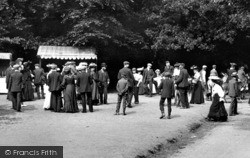 Box Hill, The Public At Leisure 1906