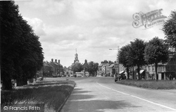 The Avenue And Market Place c.1955, Brackley