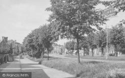 The Avenue c.1955, Brackley