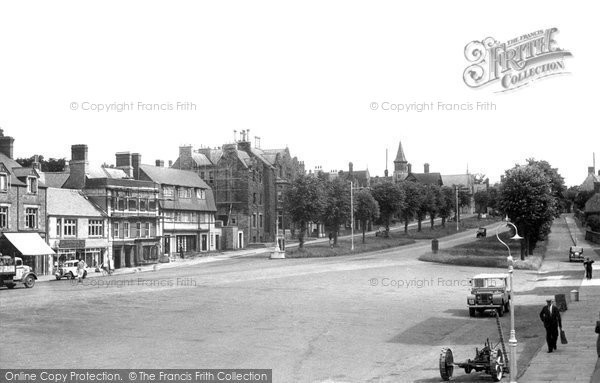 Brackley, The Avenue c.1955