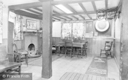 Bracknell, Public Bar, Downshire Arms c.1955