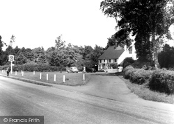 Bracknell, The Horse And Groom c.1950