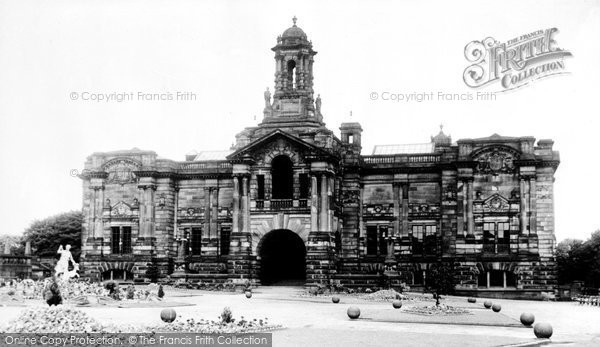 Bradford, Cartwright Memorial c.1955