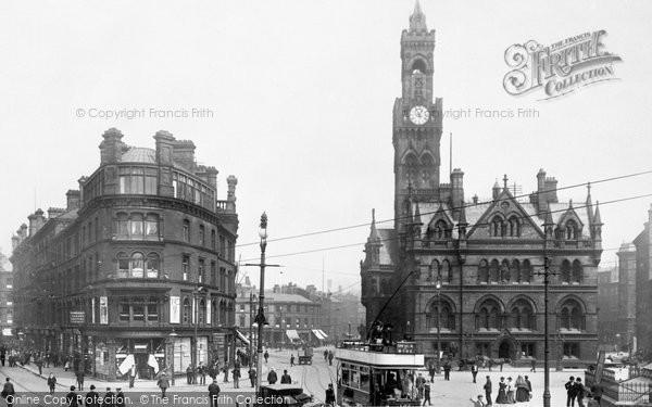 Photo of Bradford, Town Hall Square 1903