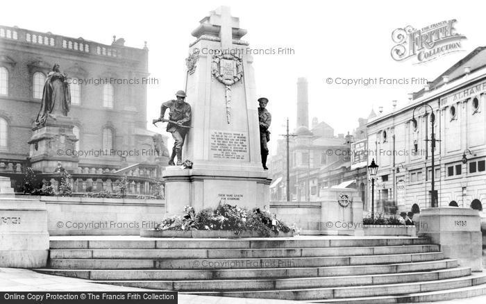 Photo of Bradford, War Memorial 1923
