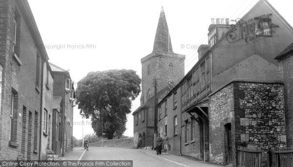 Brading, St Mary's Church c.1955