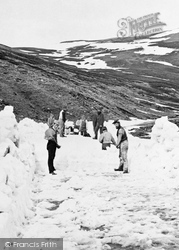 Clearing Snow From Cairnwell Pass 1879, Braemar