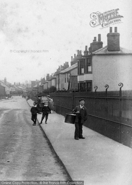 Braintree, Delivery Boys In Manor Road 1906