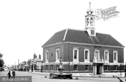 Braintree, Manor Street And Town Hall c.1955