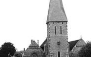 Braintree, the Church and Fountain c1955