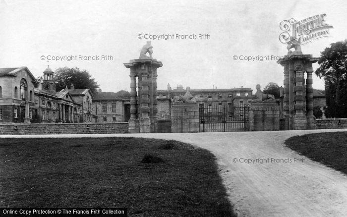 Photo of Bramham, Park, Gates 1909