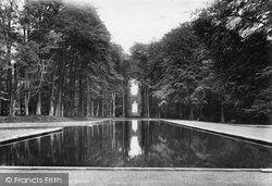 Bramham, Park, Pond And Four Faces 1909