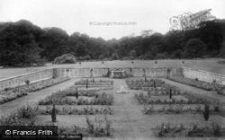 Park, Rose Garden 1909, Bramham