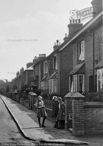 Bramley, Children, Eastwood Road 1921