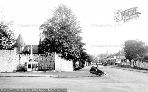 Bramley, War Memorial And High Street 1935