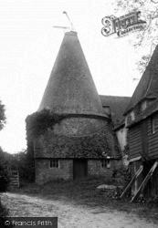 Bramshott, Oasthouse, Quince Farm 1917