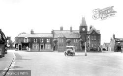 Market Place And School 1925, Brandon