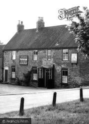 Triton Inn  c.1955, Brantingham
