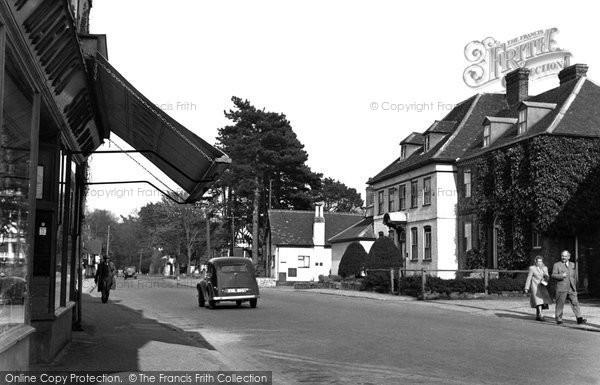 Brasted, High Street c.1955