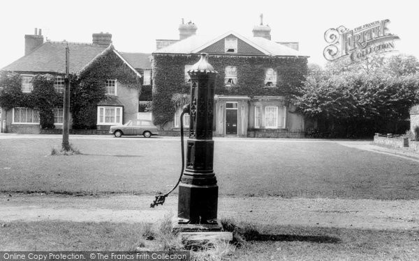 Brasted, The Village Green c.1965