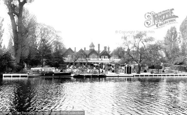 Photo of Bray, on the Thames 1929