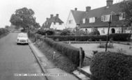 Breachwood Green photo