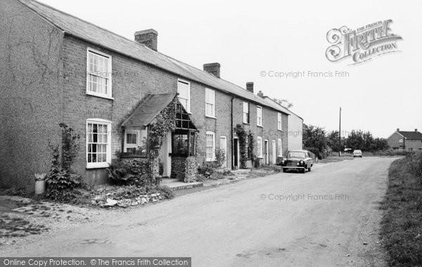 Photo of Breachwood Green, Lower Road c1965