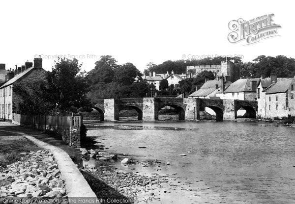 Brecon, The Bridge And Castle 1899