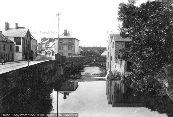 Brecon, The Struet 1910