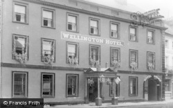 Brecon, Wellington Hotel c.1950