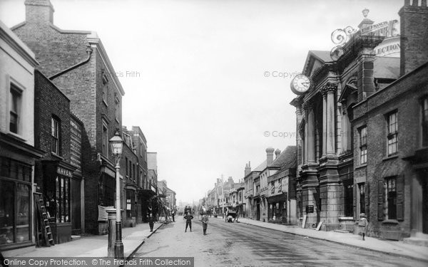 Brentwood, High Street And Town Hall 1895