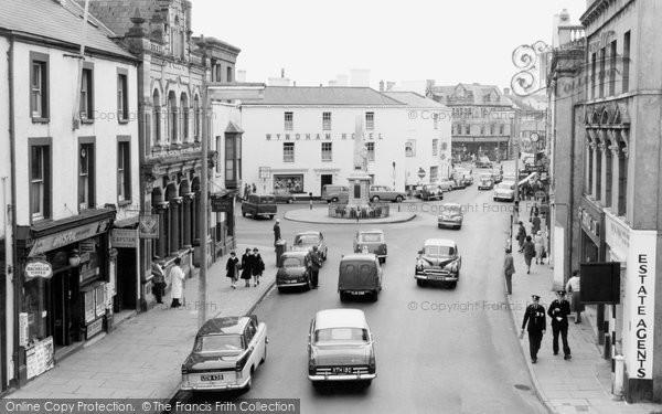 Photo of Bridgend, Dunraven Place 1960