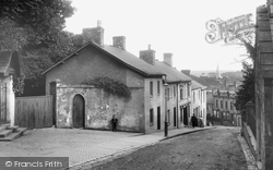 Newcastle Hill 1910, Bridgend