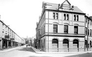 Bridgend, Post Office And Caroline Street 1899