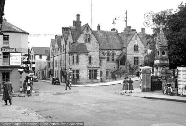 Bridgend, The Cross 1950